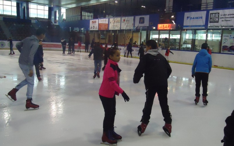 jeunes-patinoire